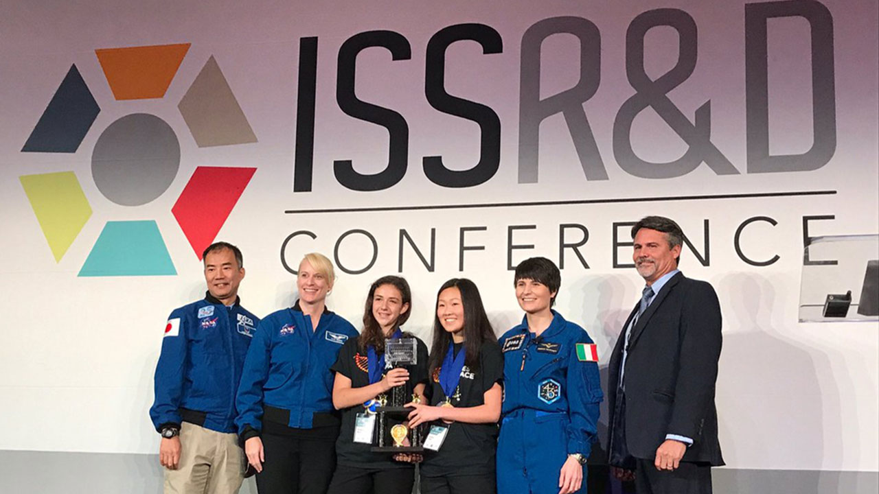 GenesInSpace winners with astronauts2