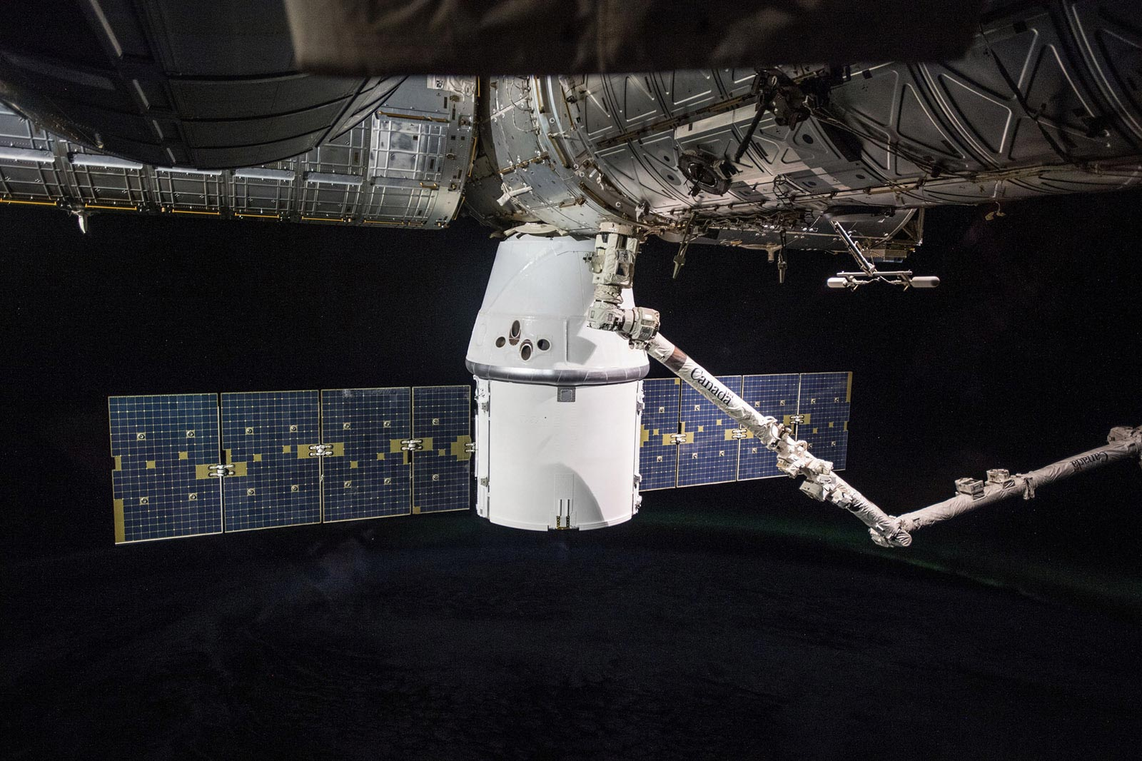SpaceX 14 20 Dragon capsule docking ISS NASA