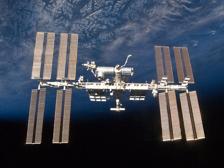 ISS exterior darkblueearth square 1