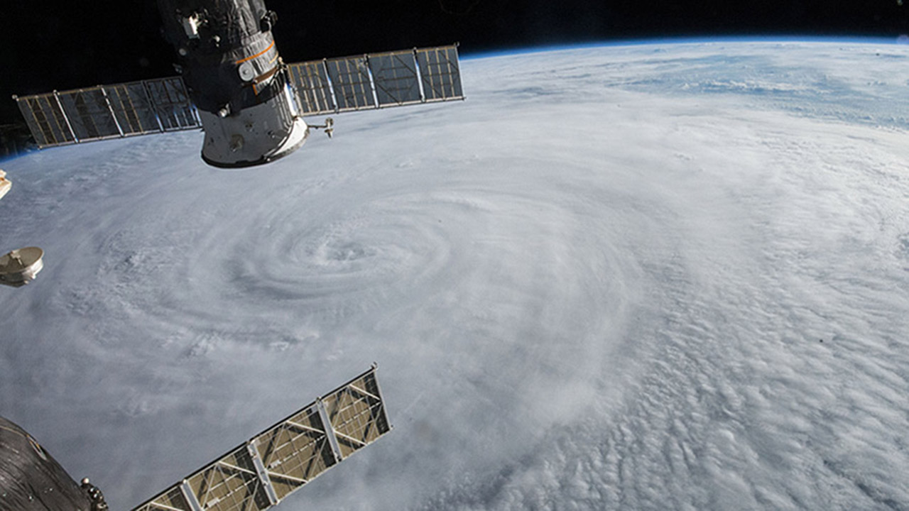 typhoon soulder from iss