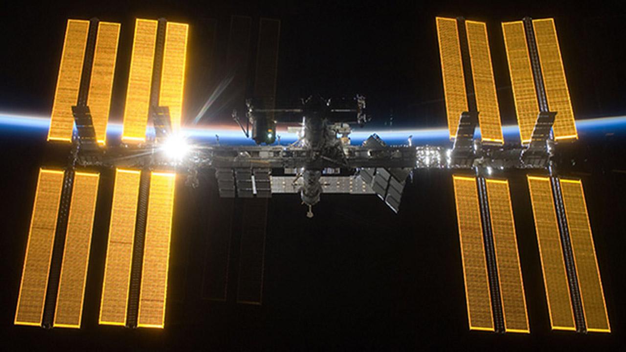 iss solar arrays 1