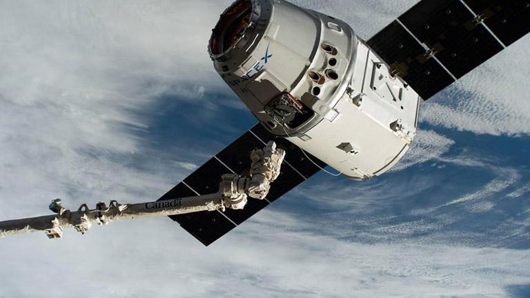 dragon docking spacexcrs18