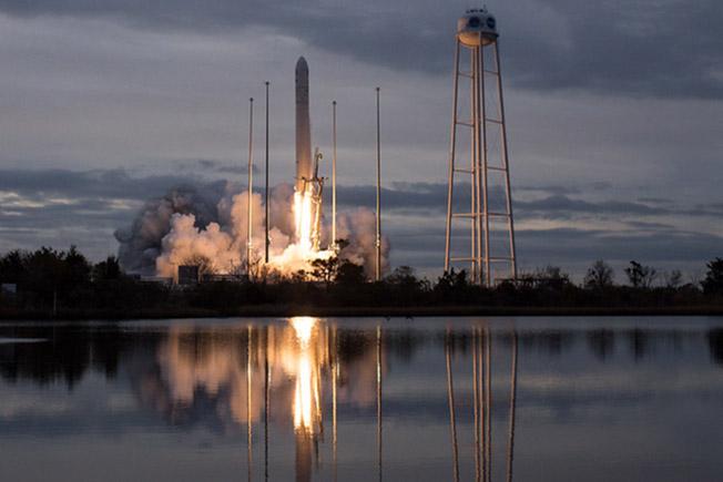 oa crs8 launch across river
