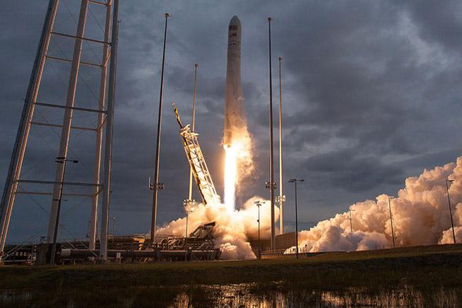 orbital crs8 launch