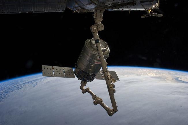 orbital2 cygnus canadarm