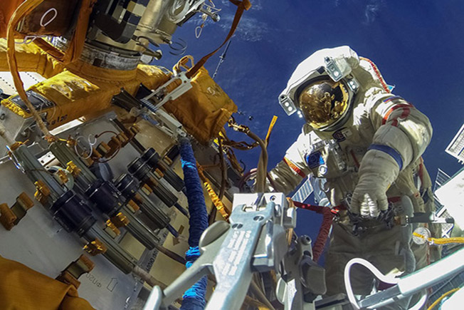 astronaut spacewalk experiment