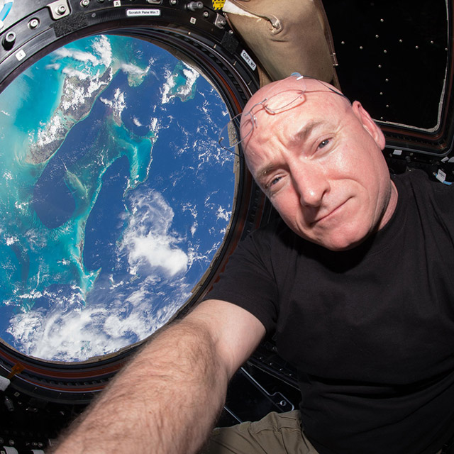 scott kelly cupola