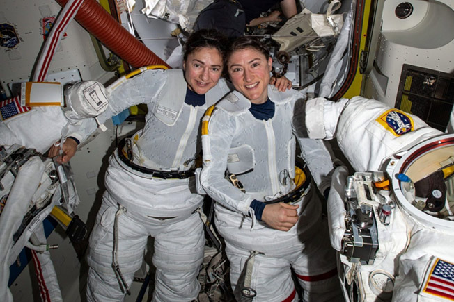 koch meir all woman spacewalk2