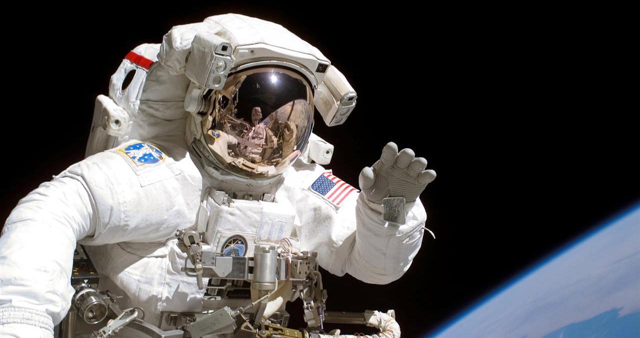 waving astronaut