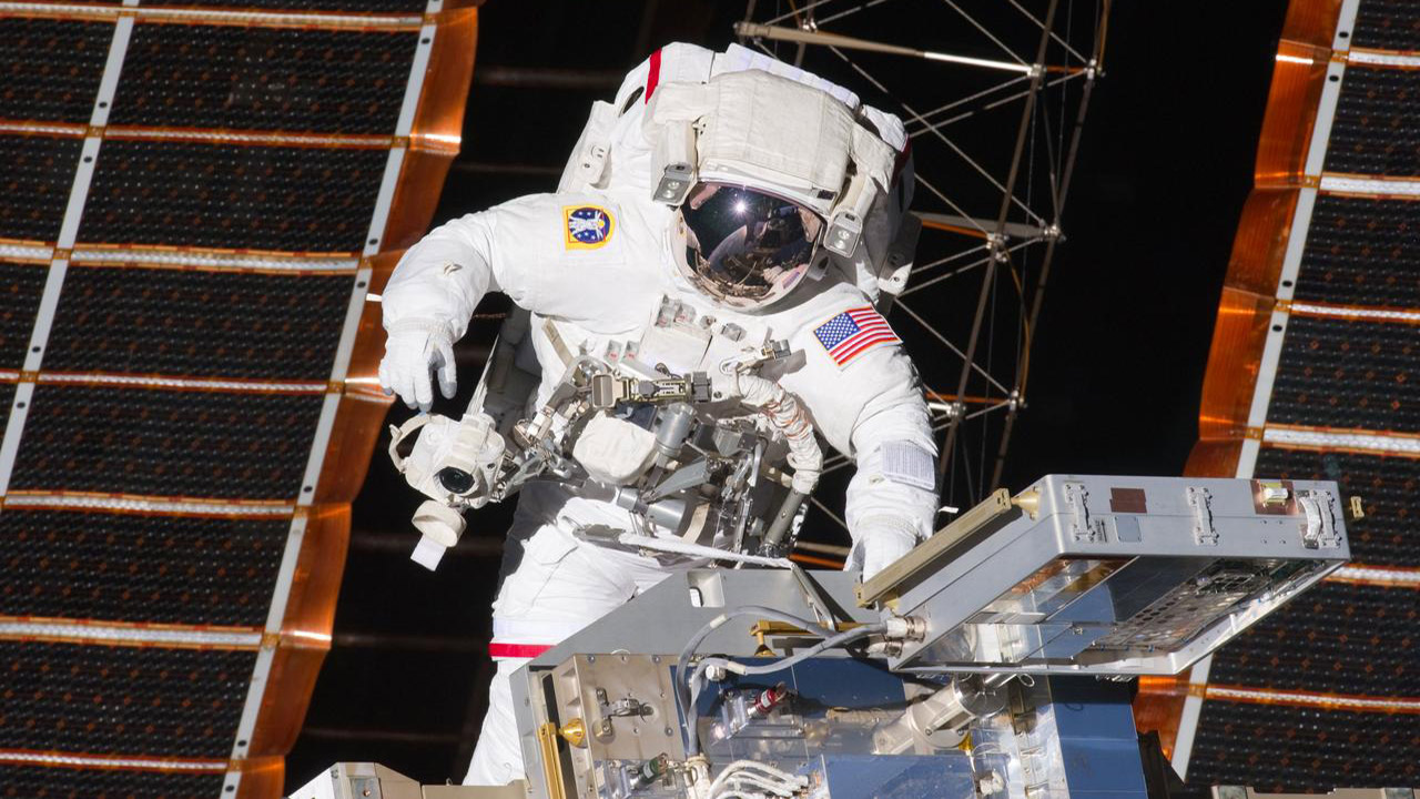 MIT to Use the ISS to Test Smart, Electronic Textiles for Use in Spacesuits and Spacecraft