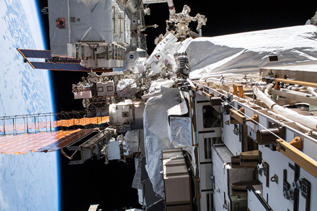 christina koch spacewalk oct2019