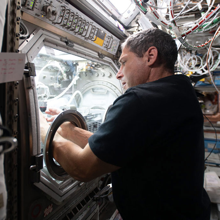 mike hopkins microgravityglovebox