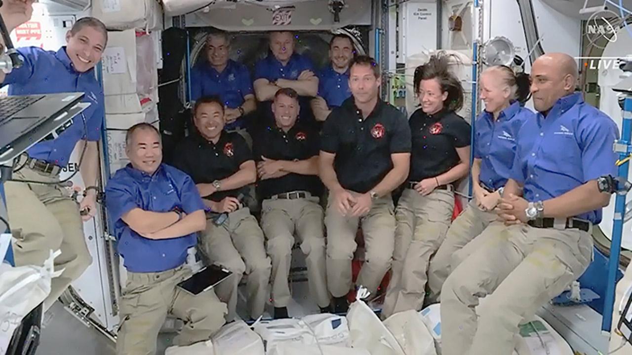 exp65 crew2 group