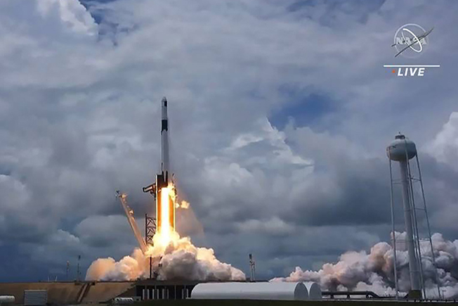 crs22 nasa live launch652