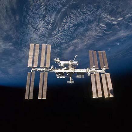 iss blue earth dark sky435