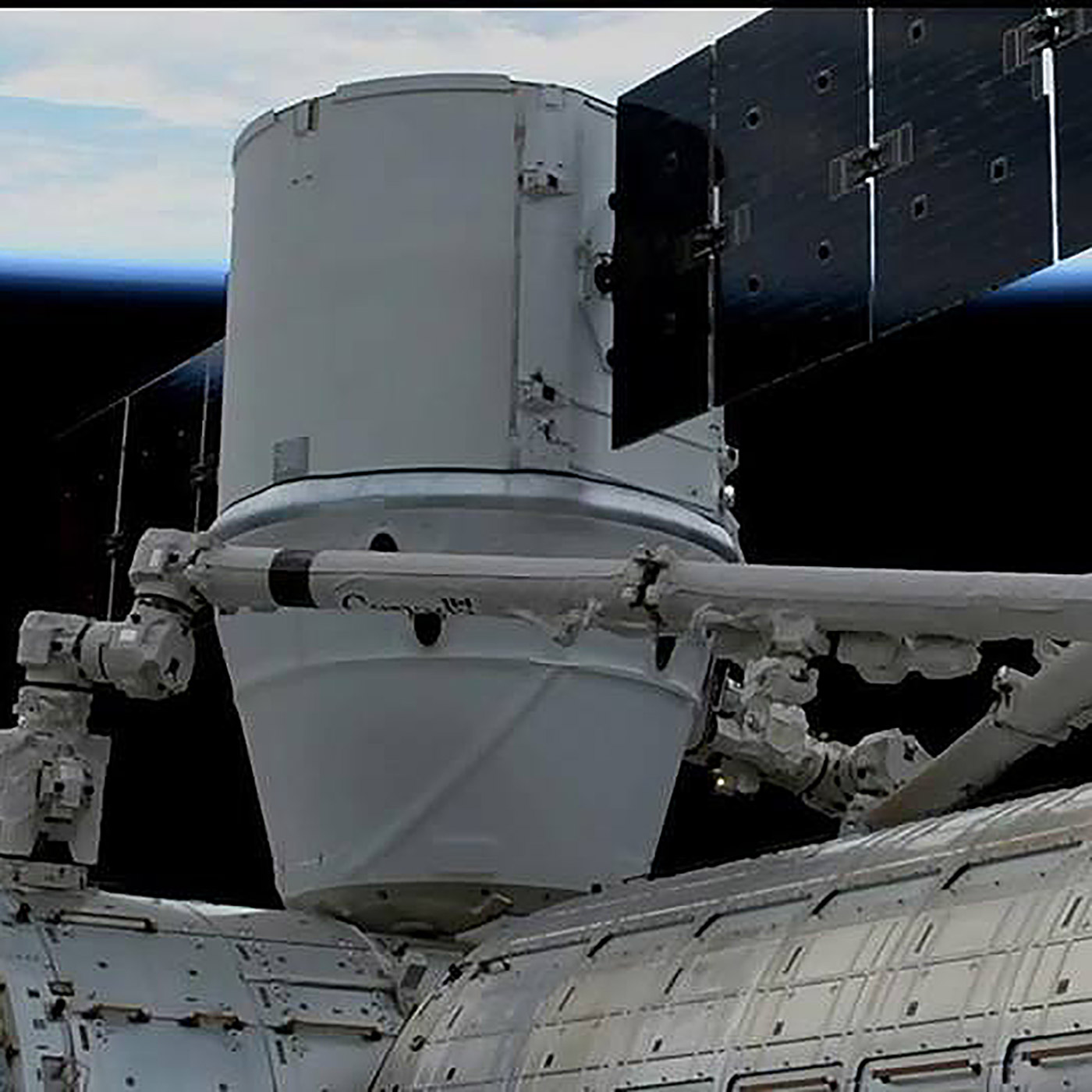 crs13 dragon attached