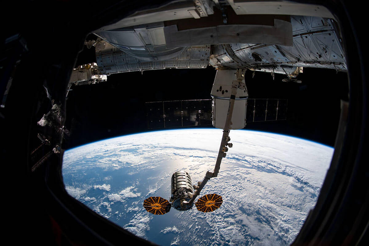 dragon cygnus together station