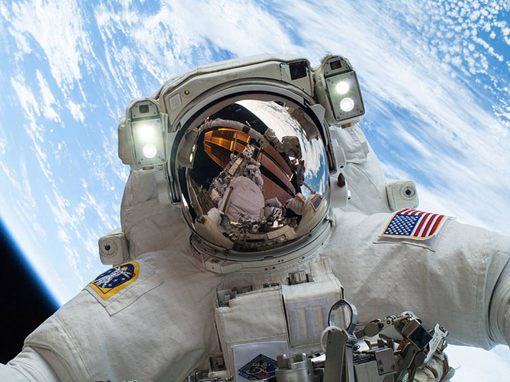mike hopkins spacewalk 1