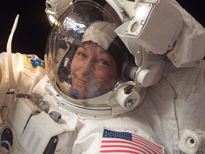 peggy whitson closeup spacewalk