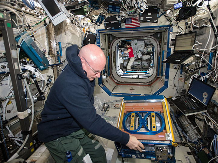 scott kelly rodent research facility 1