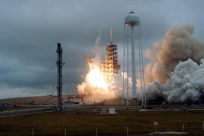 spxcrs10 launch smoke